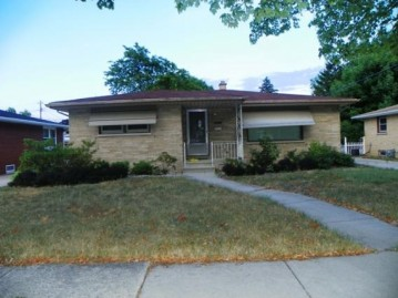 2211 25th Ave, Kenosha, WI 53140-1744