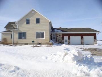 N2793 Apple Ln, West Kewaunee, WI 54216-9577