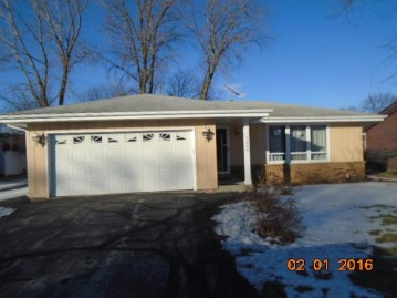 5642 Carriage Hills Dr, Mount Pleasant, WI 53406-2243