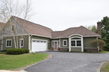 N68W5693 Bridge Commons Ct, Cedarburg, WI 53012-2138