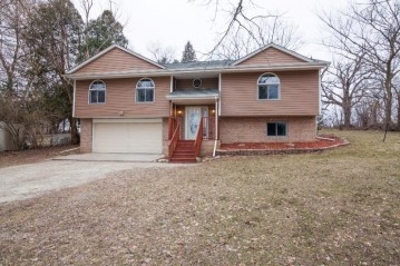 5420 Clearview Ln, Waterford, WI 53185