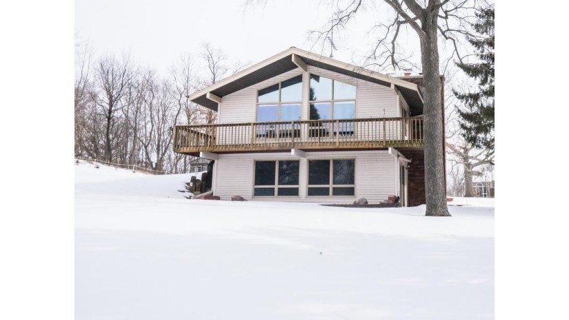 S63W24750 Mark TRL Vernon, WI 53189-9384 by Redefined Realty Advisors LLC $289,900