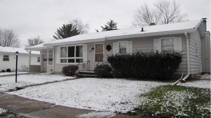 746 N Locust St Reedsburg, WI 53959 by First Choice Realty Of Tomah, Inc $116,000