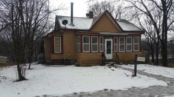 605 2nd Ave, Baraboo, WI 53913