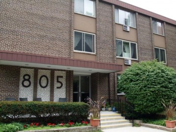 805 E Henry Clay St 101, Whitefish Bay, WI 53217-5623