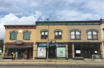 234 S Main St, Fort Atkinson, WI 53538-2228