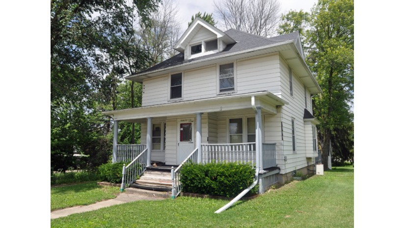 N168W21172 Main St Jackson, WI 53037-9740 by Shorewest Realtors $99,000