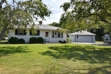 9820 S Austin St, Oak Creek, WI 53154-5112