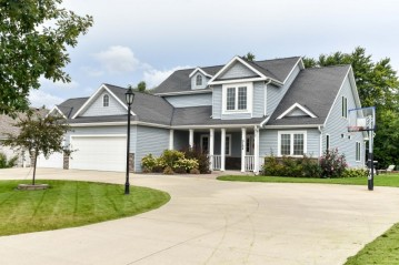 5164 W Harvard Dr, Franklin, WI 53132-8191
