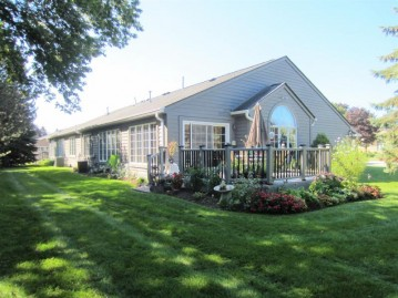 7316 S 77th St, Franklin, WI 53132-9579
