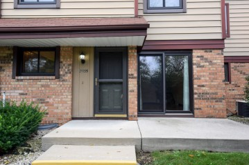 3935 W College Ave, Franklin, WI 53132