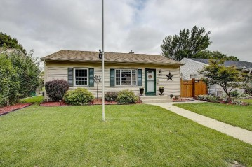 3378 S 69th St, Milwaukee, WI 53219-4035
