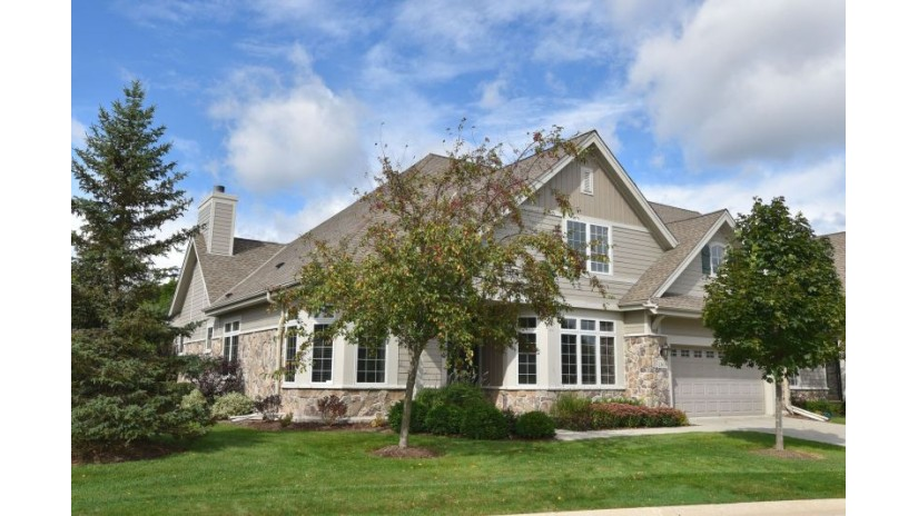 11655 N Aster Woods Cir Mequon, WI 53092-2993 by Shorewest Realtors $634,500