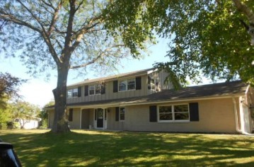 419 12th Ave, Union Grove, WI 53182-1201