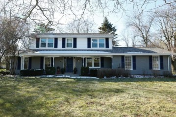 815 E Buttles Pl, Bayside, WI 53217-2414