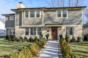 6324 N Bay Ridge Ave, Whitefish Bay, WI 53217-4329
