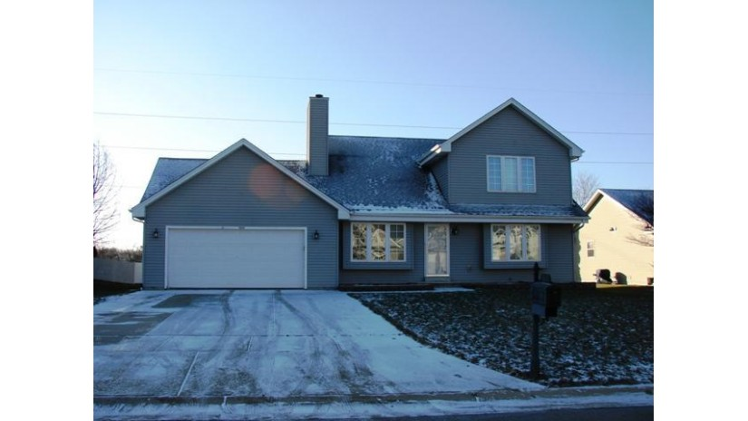 561 E Randy Rd Oak Creek, WI 53154-7090 by RE/MAX Realty 100 $309,900