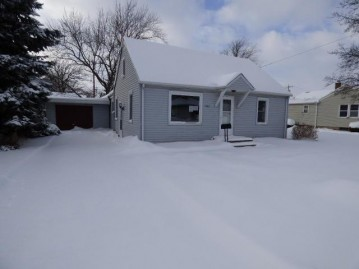 1406 Vine St, Union Grove, WI 53182
