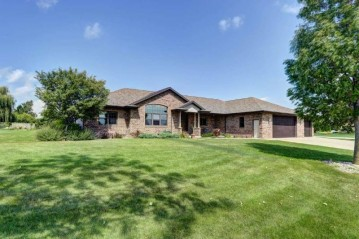 3400 W WARNER ESTATES Drive, Grand Chute, WI 54913