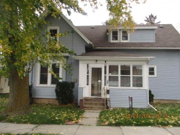 418 WATER Street, Chilton, WI 53014-1233