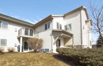 1001 MALLARD Way, Marinette, WI 54143