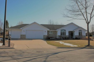 108 CHRISTOPHER Court, Combined Locks, WI 54113