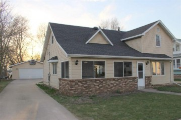 18 N 4TH Street, Winneconne, WI 54986-9176