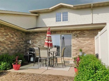 1243 POND VIEW Circle, Lawrence, WI 54115-7652