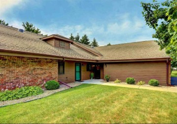 97 SPENCER VILLAGE Court, Grand Chute, WI 54914-4600