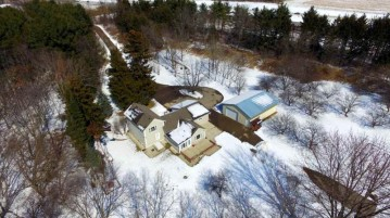 1155 E Church Rd, Christiana, WI 53523