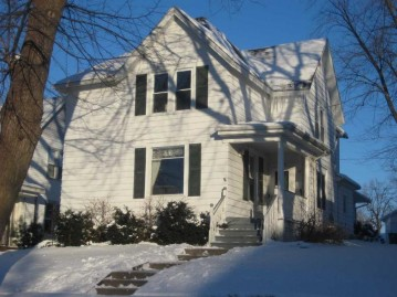 250 N Bridge St, Markesan, WI 53946