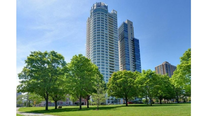 825 N Prospect Ave 2601 Milwaukee, WI 53202-3978 by Mahler Sotheby's International Realty $3,750,000