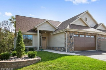 W127N7834 Riverview Ln Bldg 2 Unit 1, Menomonee Falls, WI 53051-7267