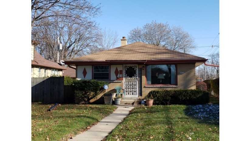 4820 N 74th St Milwaukee, WI 53218-3819 by Shorewest Realtors $80,000