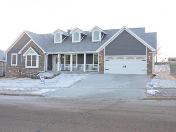 224 Wollet Dr, Fort Atkinson, WI 53538-8843