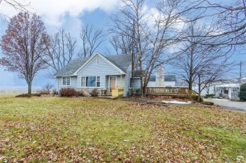 W9404 State Road 67, Sharon, WI 53585