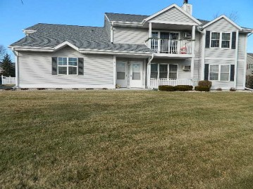 212 S Mountin Dr D, Mayville, WI 53050-1486