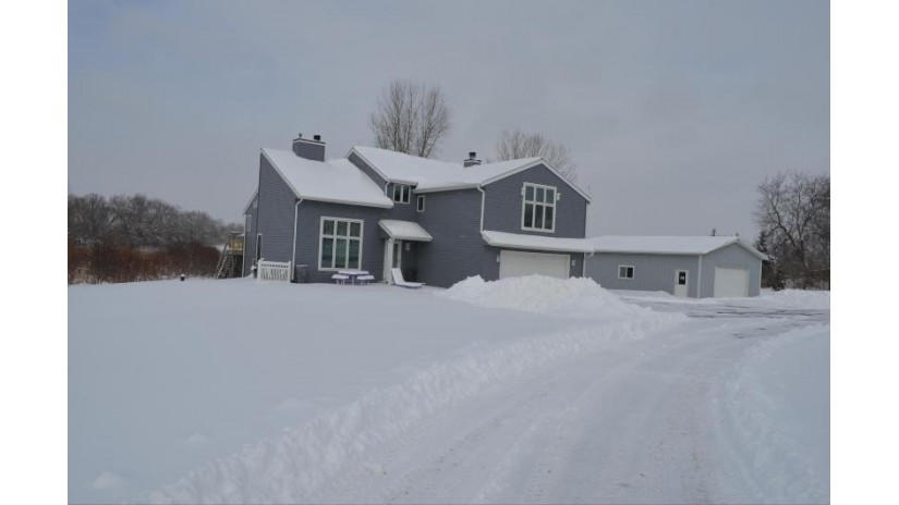 S100W24450 Forest Home Ave Vernon, WI 53103-9524 by Bear Realty Of Burlington $359,900