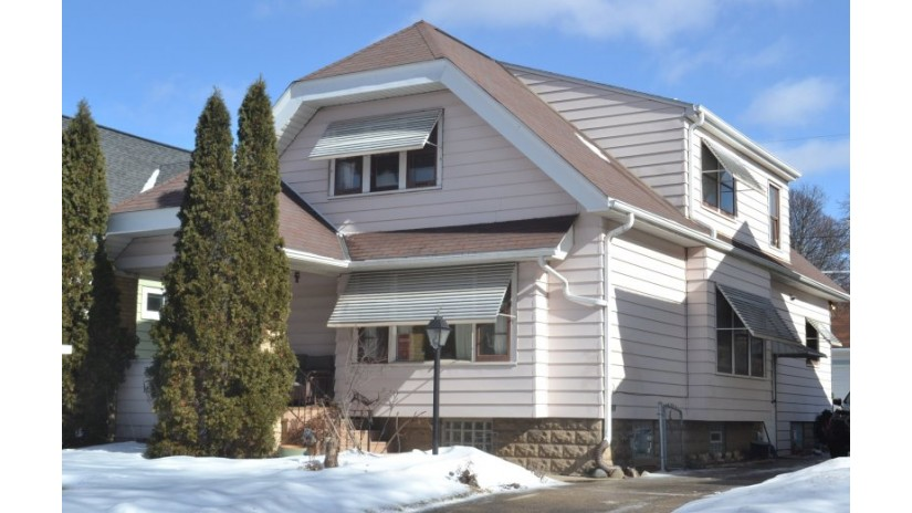 2358 N 63rd St Wauwatosa, WI 53213-1544 by Shorewest Realtors $237,000