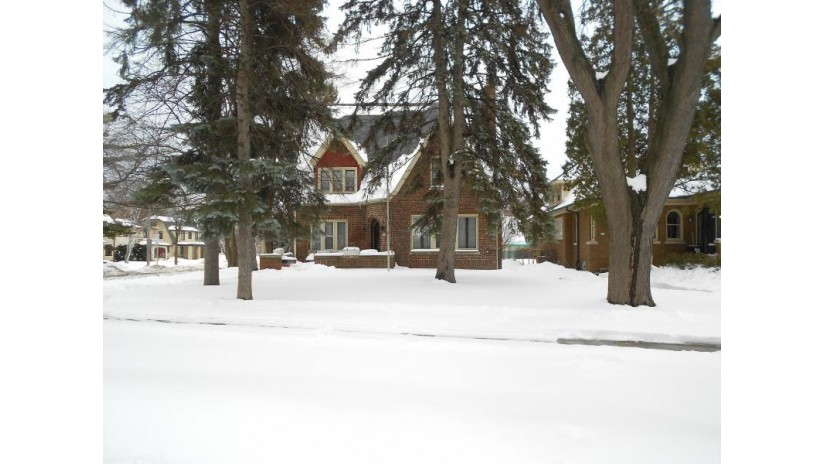 494 N 49th St Milwaukee, WI 53208-3664 by First Weber Inc - Waukesha $239,900