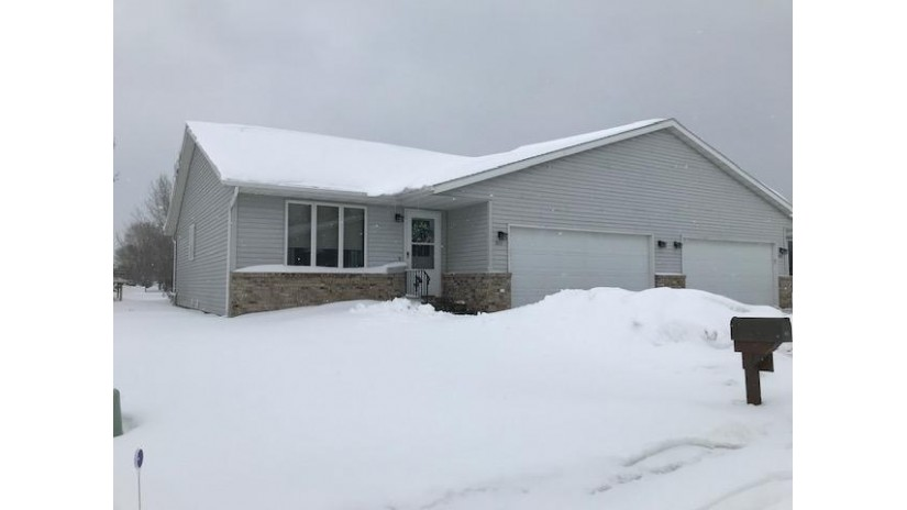 911 Northern Sands Pl Onalaska, WI 54650-2183 by RE/MAX First Choice $164,900