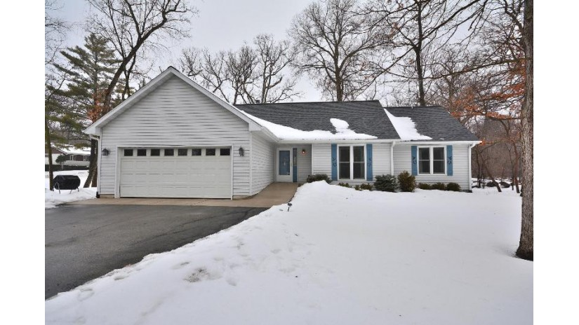 191 W South St Lake Geneva, WI 53147-2417 by First Weber Inc- Greenfield $269,900