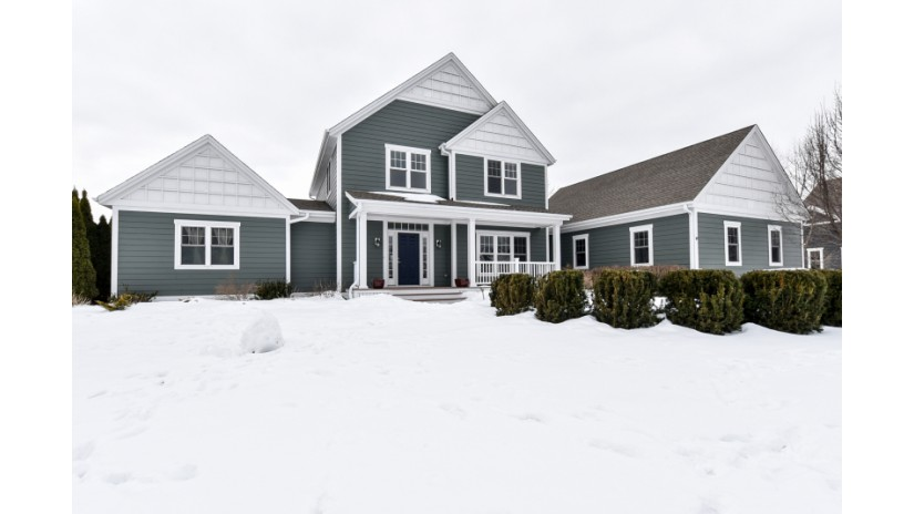11945 N Sandhill Cir Mequon, WI 53092-2994 by Shorewest Realtors $717,500