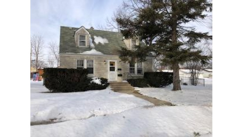2101 S 96th St West Allis, WI 53227-1426 by Coldwell Banker HomeSale Realty - New Berlin $114,900