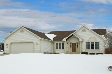 N100W14584 Sunburst Trl, Germantown, WI 53022-5396
