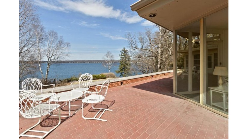 N1820 E Valley Park Rd Linn, WI 53147-4165 by Keefe Real Estate, Inc. $3,895,000