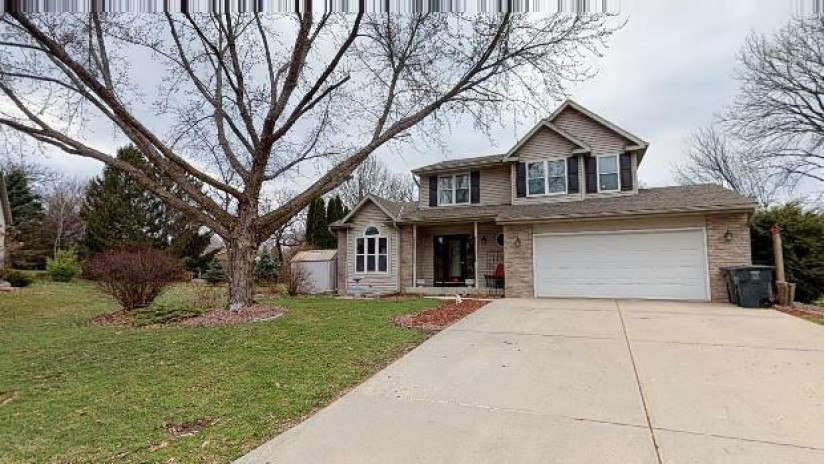 537 Crestwood Ct Jefferson, WI 53549-1929 by Century 21 Integrity Group - Jefferson $224,900