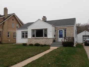 1008 Emerson Ave, South Milwaukee, WI 53172-1716