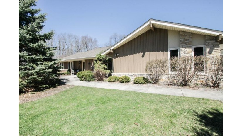 17880 Versailles Ave Brookfield, WI 53045-5025 by Redefined Realty Advisors LLC $379,900