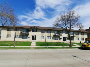 6320 N 91st St 6330, Milwaukee, WI 53225-1731